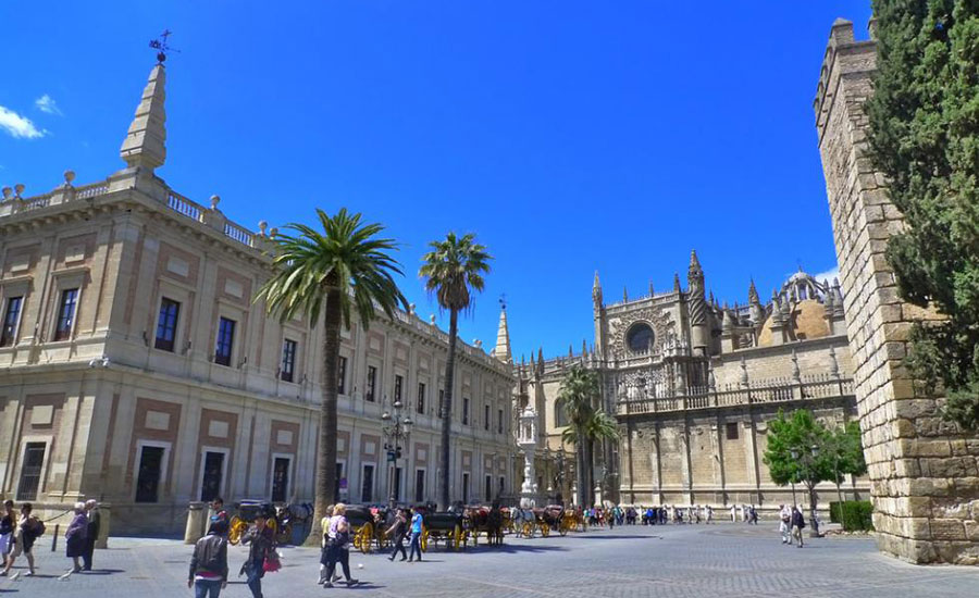 General-Archive-Indies-and-Seville-Cathedral_destino_3