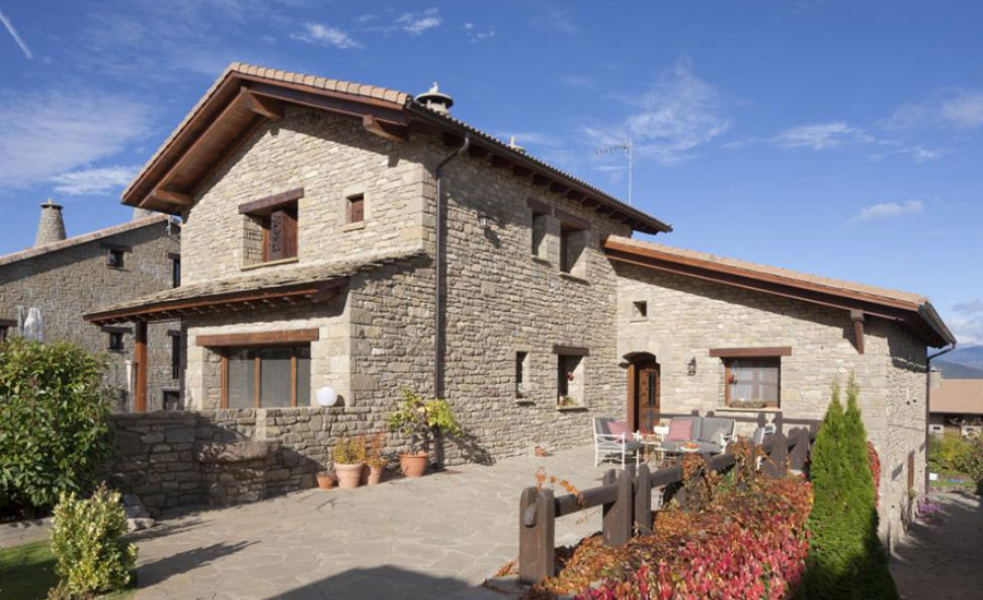 charming-hotel-boutique-spain-pyrenees-aragon-jaca-barosse_hotel_2